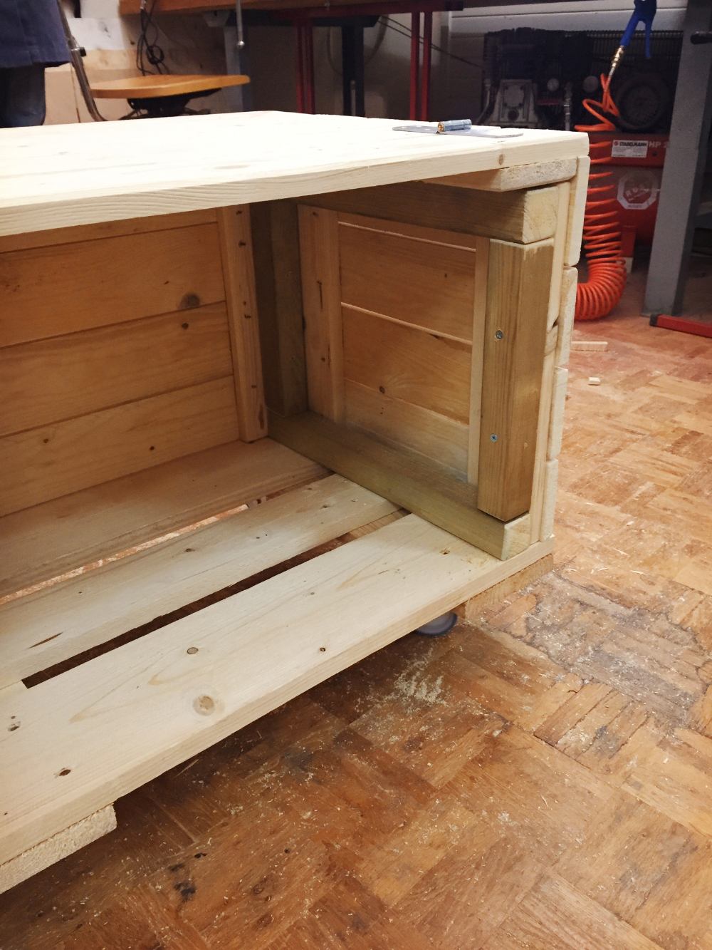 Costruire Una Cassapanca Pdf.Upcycling I Pallet Diventano Una Cassapanca